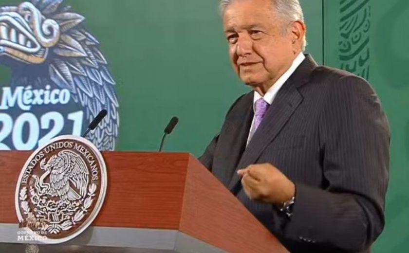 Dos promesas no cumplidas, Ayotzinapa y descentralización federal, reconoce Obrador